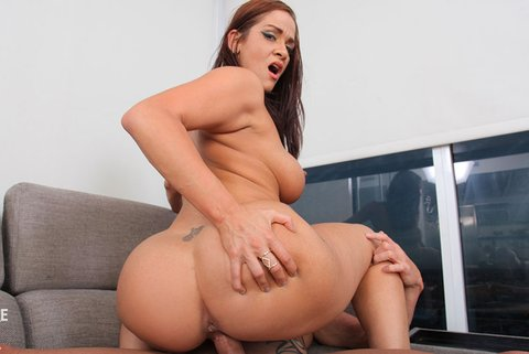 Miss Raquel Is The Gift For A Horny Husband